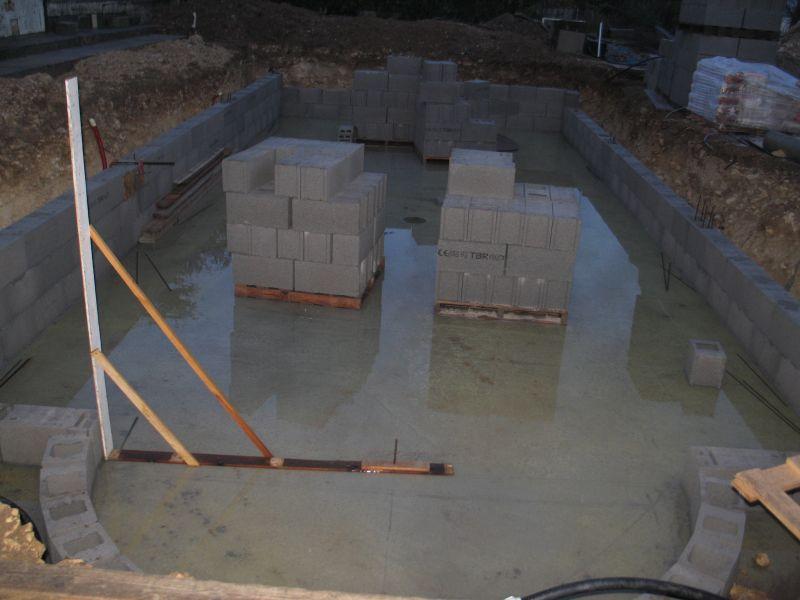 Construire sa piscine archives du blog la d cision for Construction piscine parpaing