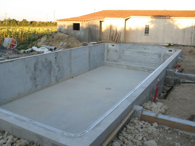 construire sa piscine archives du blog rail d accrochage. Black Bedroom Furniture Sets. Home Design Ideas